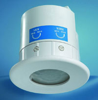 CEILING MOUNTED PIR TIMERWITH LUX LEVEL ADJUSTMENT